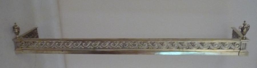 A fine  Edwardian brass fender c 1910
