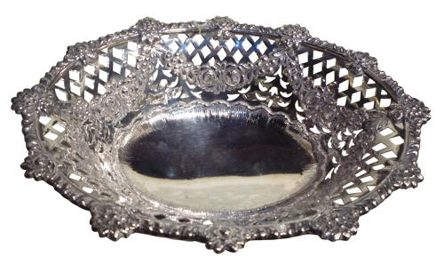 A fine quality silver basket London 1895