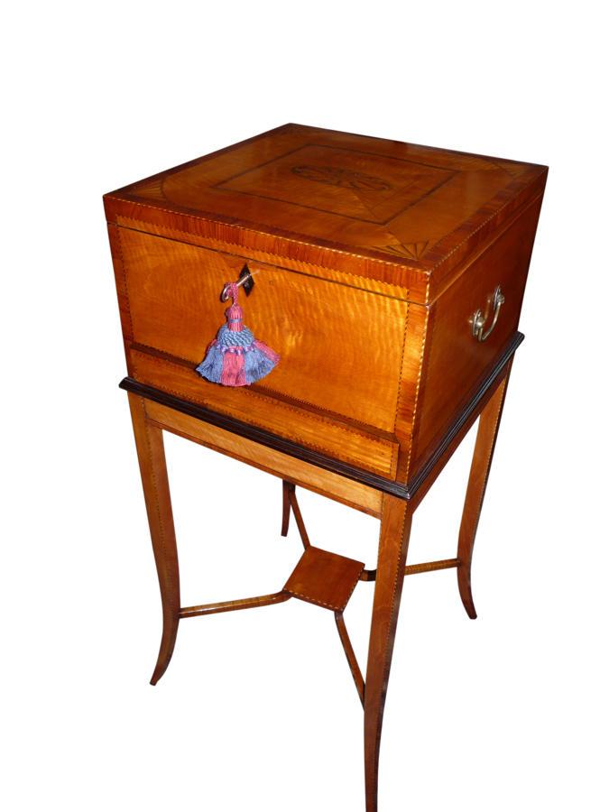 A fine Sheraton revival inlaid satinwood jewellery box