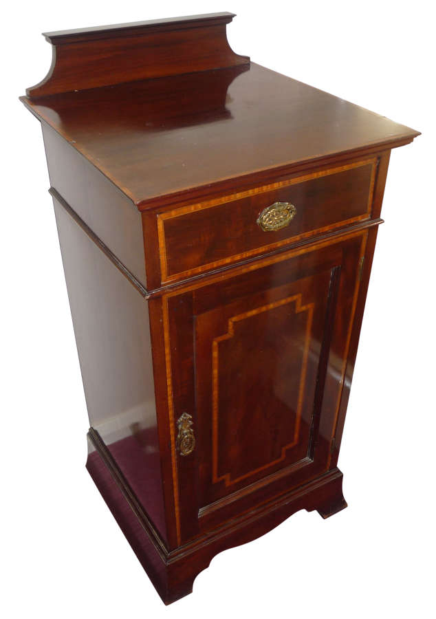 A fine quality small inlaid mahogany cupboard circa 1910