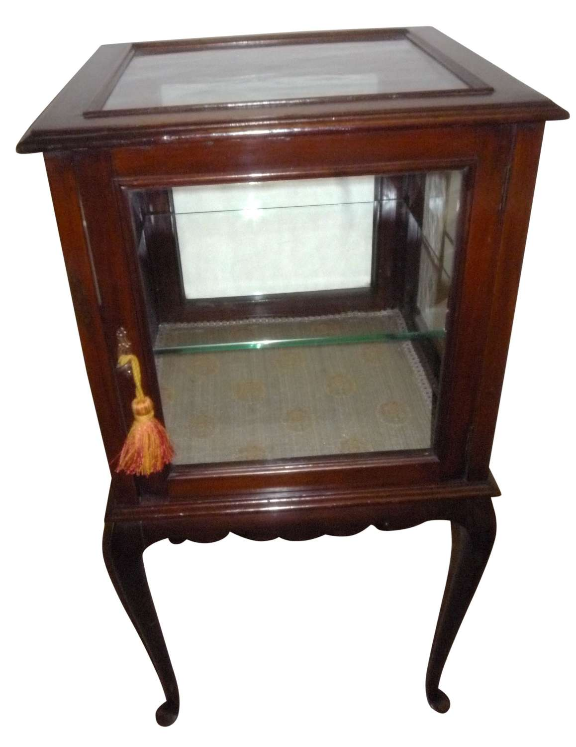 A square Edwardian mahogany display cabinet with glass shelf c 1915